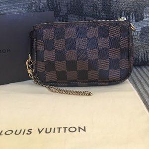 💯Authentic Louis Vuitton Mini Pochette